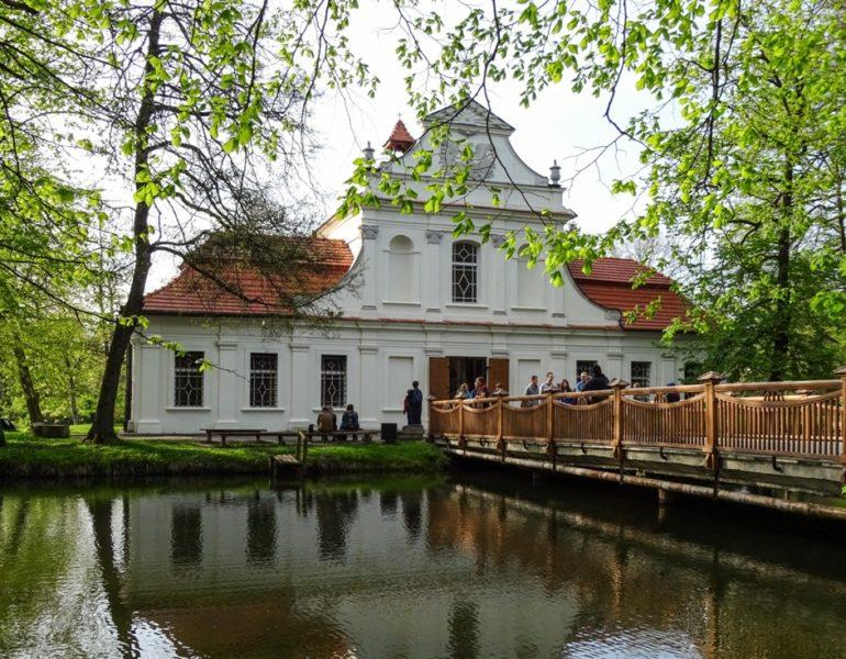 Kościół na wyspie Zwierzyniec